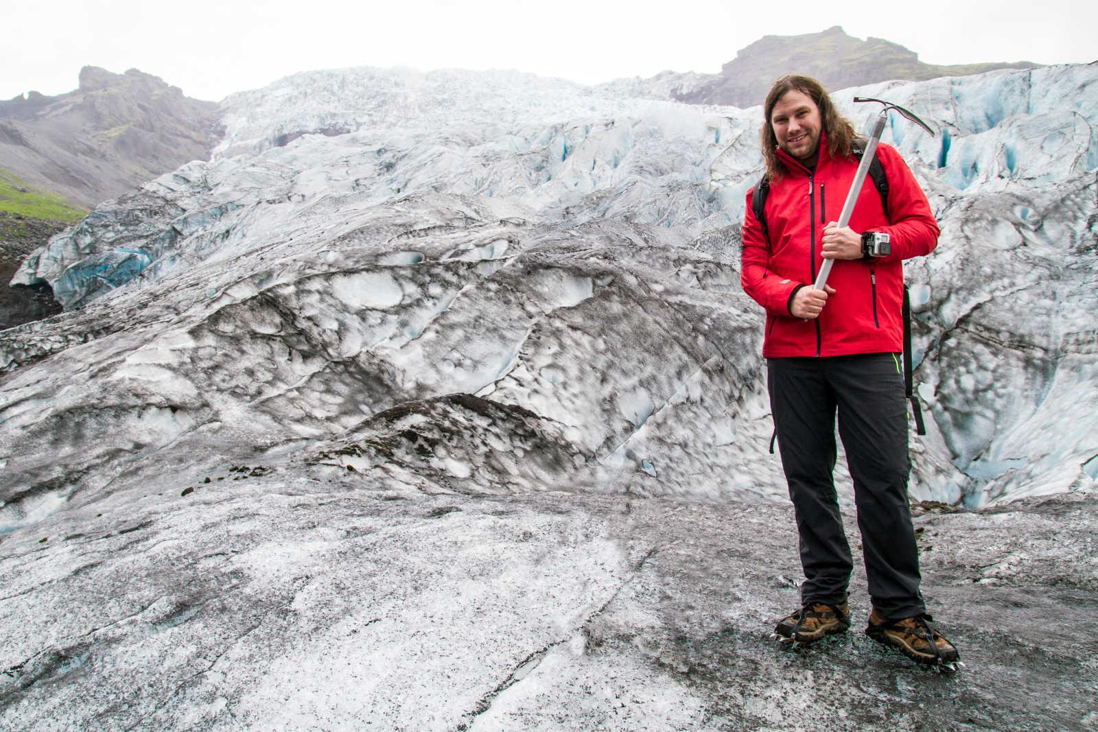 Willi auf einem Gletscher in Island
