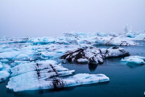 Eisberge auf der Gletscherlagune Jökulsárlón