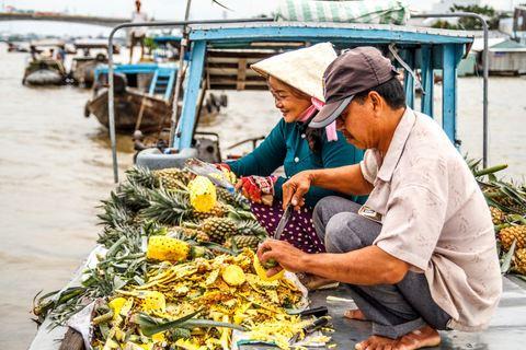 Auf einem Ananasboot auf dem Cai Rang Floating Market