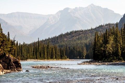 gallery/02-kanada-banff-bow-falls.jpg,Bow Falls in Banff