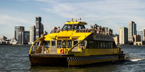 Per Water Taxi zum Brooklyn Botanic Garden